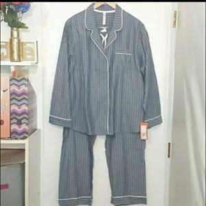 🆕️ Plus Size Cozy Striped Pajama Set